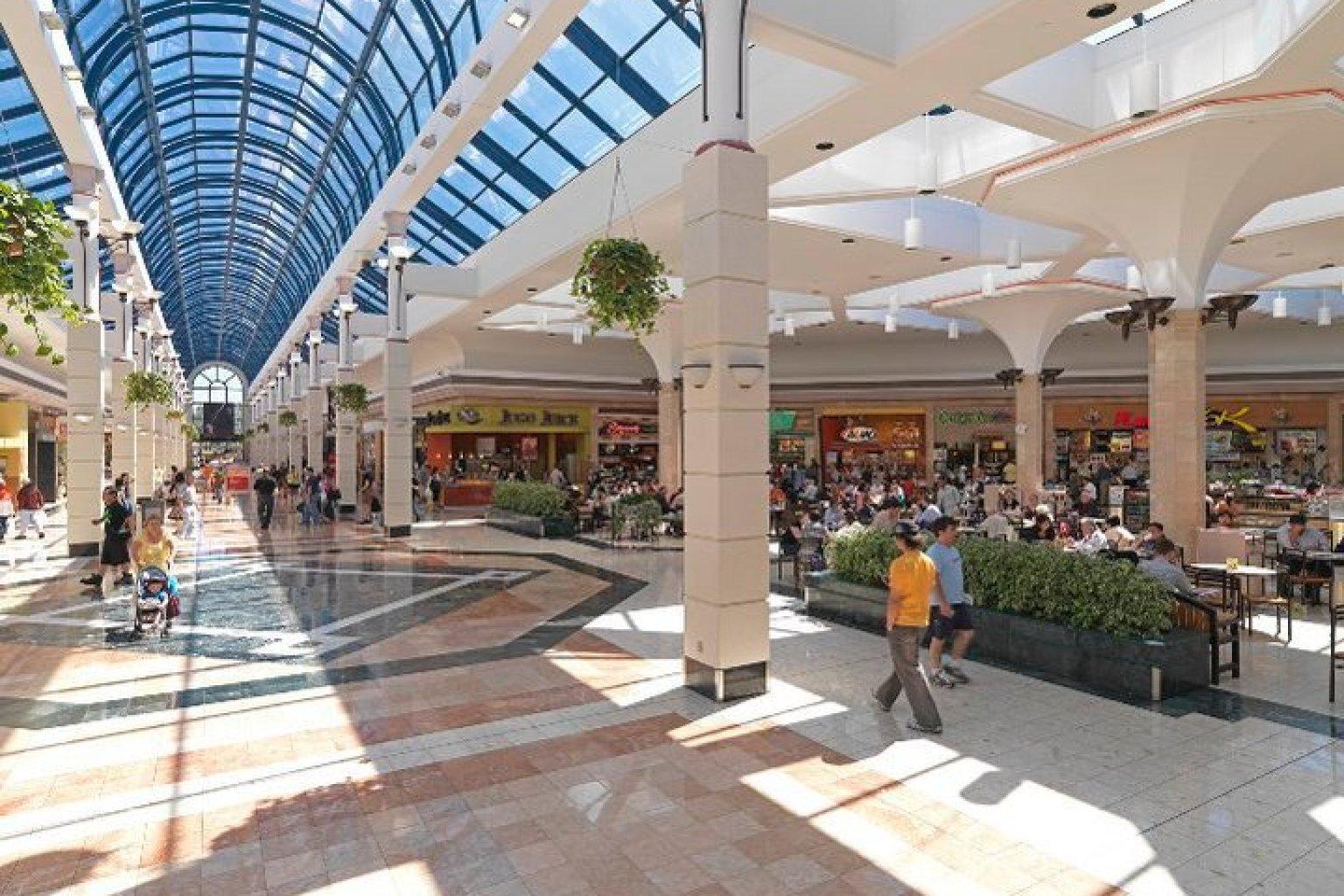 Metropolis Mall Food Court